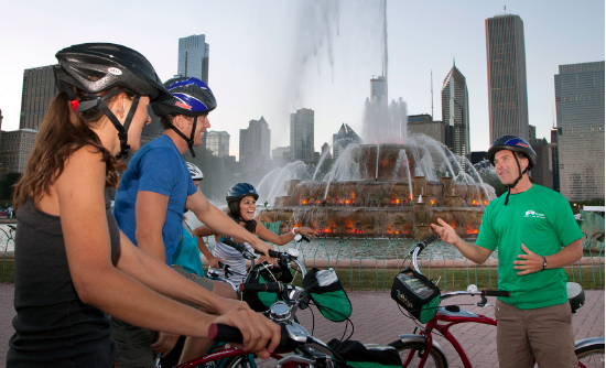 A Chicago bike tour in front of Buckingham Fountain